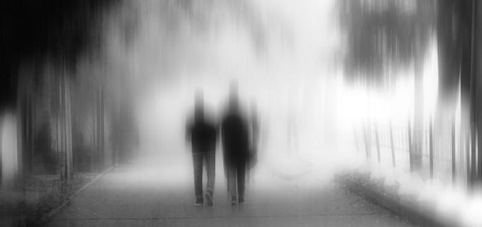 Soñar con niebla espesa que no te permite reconocer a las personas