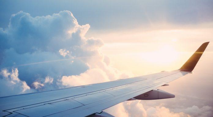 Soñar con Viajar en Avión