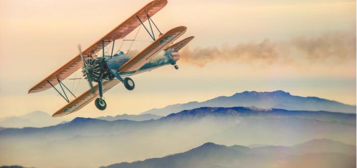 Soñar con Viajar en Avión antiguo