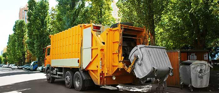 Soñar con basura y camión de basura