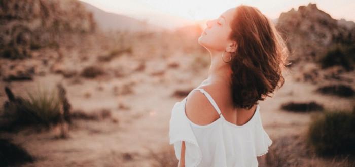 Soñar con Vestido Blanco desierto