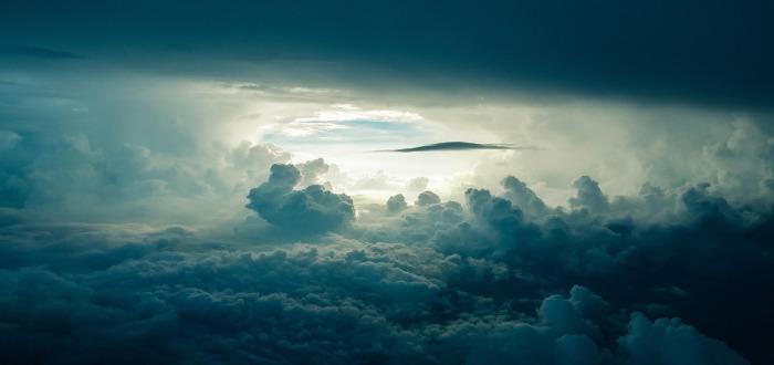 Soñar con Tormenta nubes