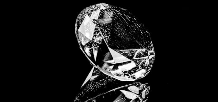 Soñar con Diamantes apoyado