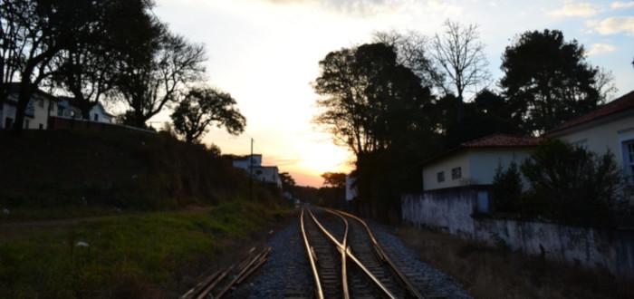 Soñar con Viajar en Tren vías